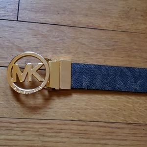 Michael Kors reversible leather logo belt